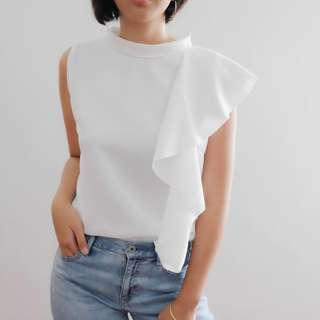 B19 WHITE RUFFLE DT. SLEEVELESS