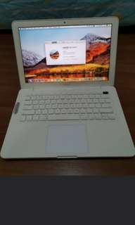 $150 only! 13 inch Mid 2010 Macbook white