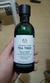 TEA TREE SKIN CLEARING FACE WASH BY THE BODY SHOP