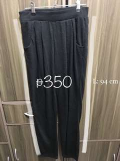 Soft pleated pants