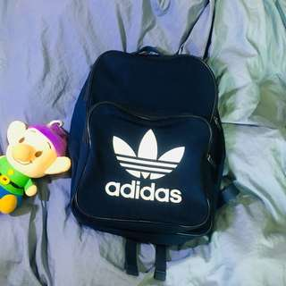 Adidas深藍色後背包