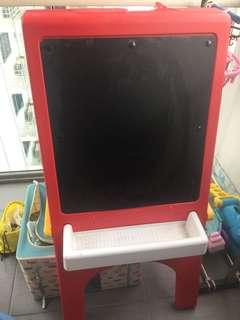 Little Tikes Double Easel blackboard & clipboard