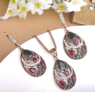 Chic Bohemia Waterdrop Necklace Earring Set