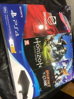 PS4 500GB bundled with 3games (Brand new)