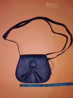 MINI SLING BAG BNEW 250+sf 09060114187