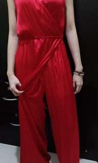 RENTING - JUMPSUIT/DRESS/RED DRESS/LONG DRESS