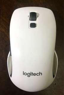 Logitech m560