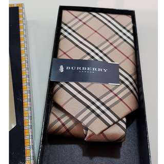 Burberry Tie brand-new in gift box
