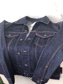 Levi's denim jacket BNWT (100% authentic)