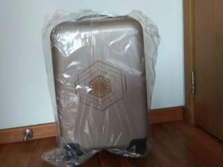 """BNIB Star Wars Luggage 20"""" with built in lock"""
