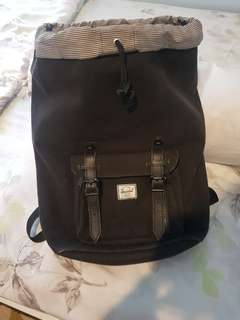 Backpack / Tas Herschel Little America in black/black leather