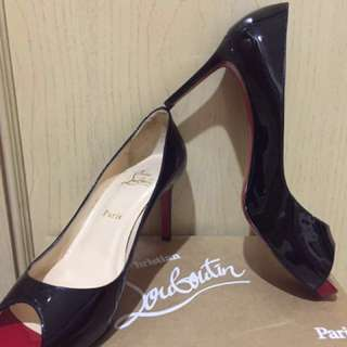 Louboutin -negotiable