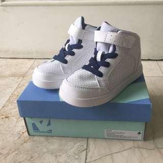 Sepatu anak laki2 toezone size 26