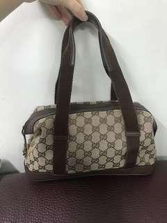 Vintage Gucci monogram shoulder bag