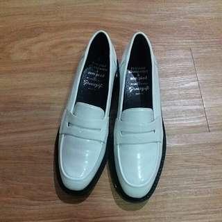 🚚 皮鞋 (P605-5 240 (1.5)