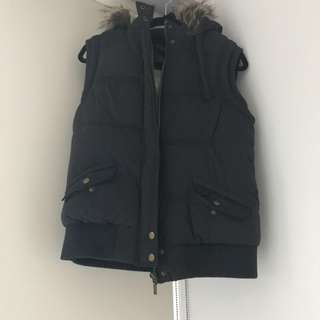Puffer best with faux fur collar - Navy