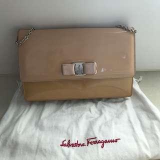 Salvatore Ferragamo Handbag,nude color,漆皮,斯文款,銀鏈,4種用法