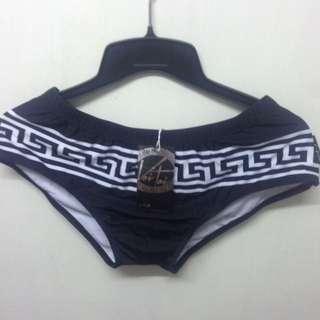 🚚 希臘紋黑色男泳褲