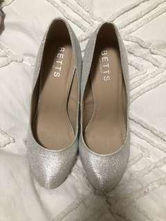 Betts Silver Glitter Heels Size 9