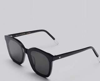 LOOKING FOR Sunglass / shades