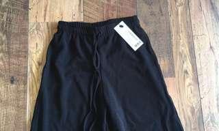 BNWT Black culottes
