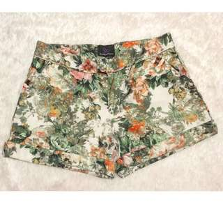 Plains&Prints Floral Shorts