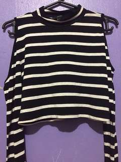FOREVER 21 Long-sleeve crop top