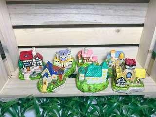 Set of 7 miniature houses