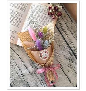 🚚 乾燥花 療癒兔尾小花束 畢業花束