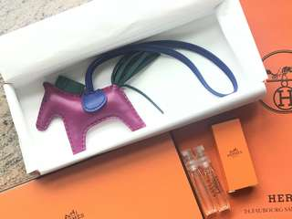 Hermes Charm Rodeo pm size Rose Pourpre