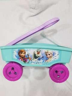 Disney Frozen Elsa Anna Pull Trolley Toy Storage