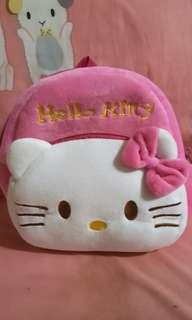 Hello Kitty 1~3歲小童 寶寶小背包 絨毛背帶款 超可愛背包 小童背包 幼兒柔軟舒適双肩包 生日禮物