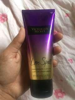 Victoria's secret: Love Spell fragrance lotion