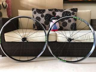 Shimano WH-RS11 wheelset