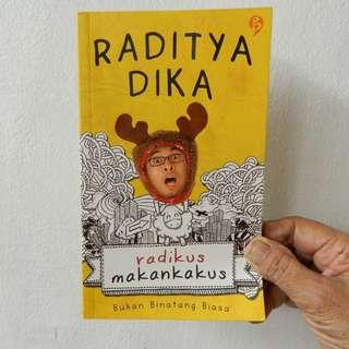 Novel Radikus Makankakus by Raditya Dika