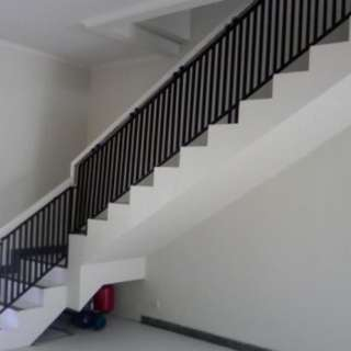 Reling tangga mininalis