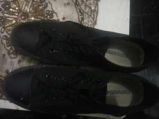Sepatu converse original black