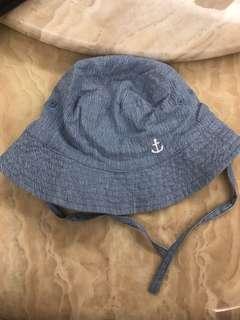 H&M's hat