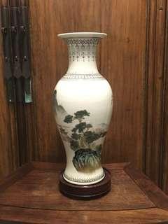 七十年代景德鎮製山水瓶