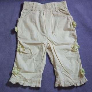 二手~童裝 米白 立體蕾絲花 荷葉 中長褲