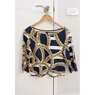 H&M BLACK, GOLD, AND WHITE PRINT long sleeves top