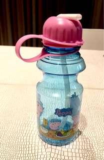 Peppa Big water bottle from 🇧🇷