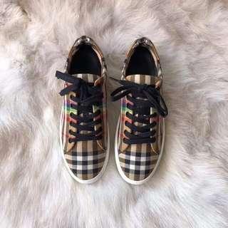 burberry 情侶鞋💏