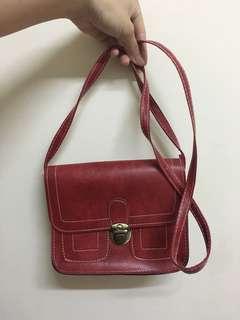 🚚 紅色側背小包包❣️