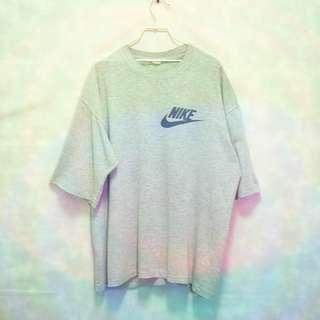 三件7折🎊 Nike 翻玩老T 短T 灰 薄 微彈性 大logo 極稀有 老品 復古 古著 Vintage