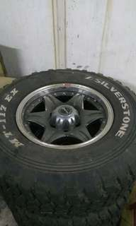 4X4 Sport Rim With Tyre 275/70/16 For Sell