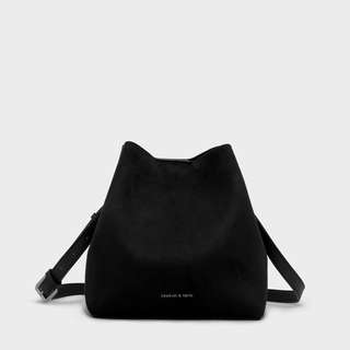 Charles And Keith Bucket slouchy sling Bag in BLACK