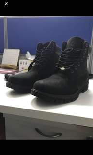 Authetic Timberland Black Boots