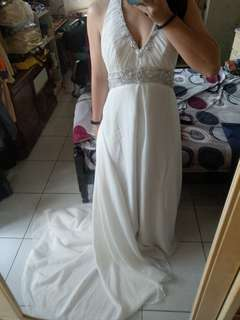 🚚 二手婚紗。V領希臘風低胸小拖尾婚紗