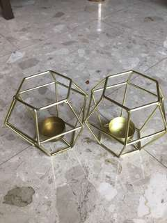 Candle holder (gold metal frame)